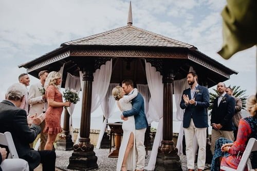 simple wedding as one of 2021 wedding trend at Villa Botanica